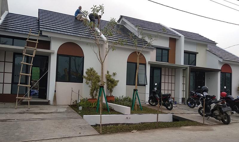 Pengerjaan rumah contoh rumah kpr dekat bsd sudah hampir selesai